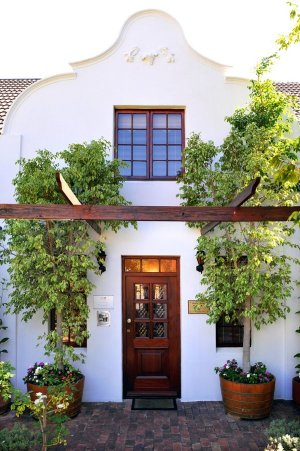 Gable Manor Guesthouse - Franschhoek accommodation - Winelands accommodation - Franschhoek luxury bed & breakfast